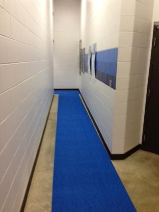 Vinyl Floor Mats >> Slip-Resistant Locker Room Flooring & Mats - PEM Surface